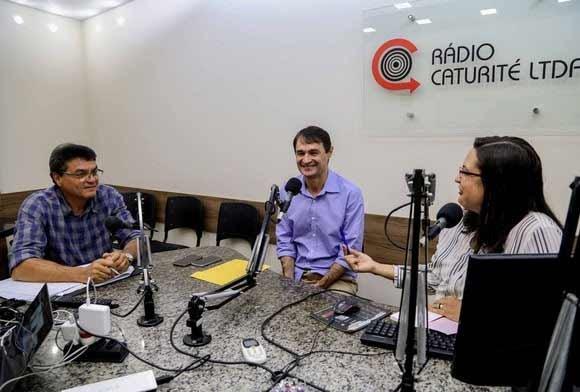 Resultado de imagem para romero na rádio caturité